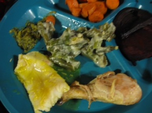 My meal - chicken, fish, carrots (grow in the ground) and green beans.  Pretty good choices for today - and very tasty and satisfying.  (Can't quite shake the memory of those cookies - shouldn't have taken their picture).